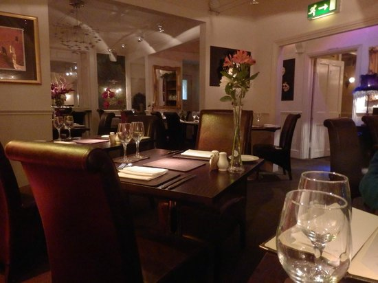 Queens Court: Olive Tree restaurant - lovely food