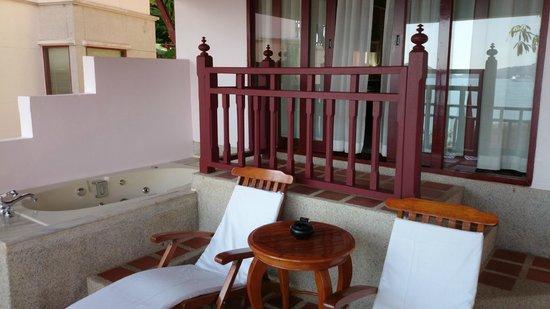 Thavorn Beach Village Resort & Spa: Балкон в номере