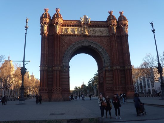 Catalonia Born: arc de triomf