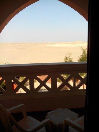 Aqua Vista: Вид с балкона на пустыню.