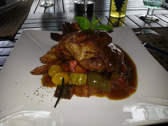 Pangkor Laut Resort: Rosemary Roast Chicken for lunch at the Royal Bay Beach Club