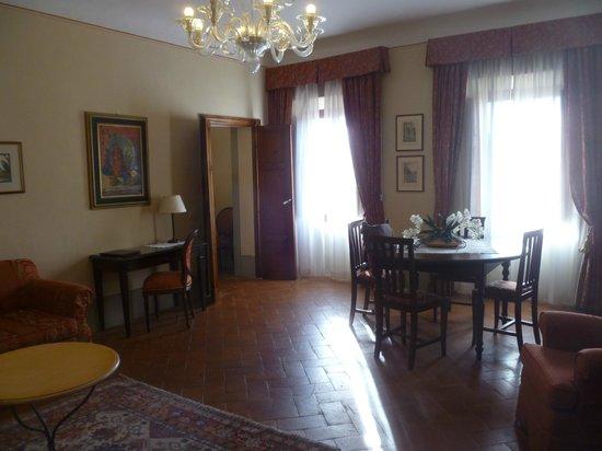 Palazzo Leopoldo Dimora Storica & Spa: living area of suite