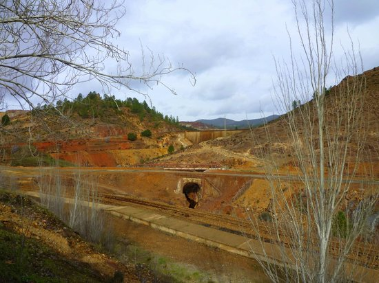 Aracena, Spanien: Rio Tinto  in den wintermonaten fährt der zug nur samstags.