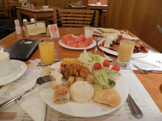 Metropark Hotel : Завтрак