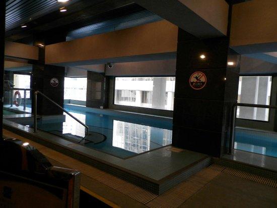 Metropark Hotel: Бассейн