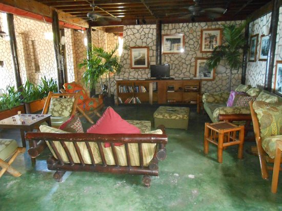 Rockhouse Hotel: common area by rock house restaurant