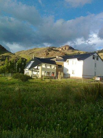 PuduLodge Hosteria Patagonica: Ótima localização, na saída para a maioria das trilhas