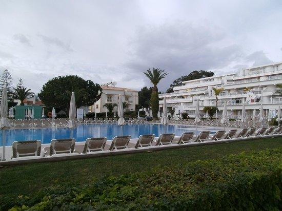 Muthu Clube Praia da Oura : Pool area