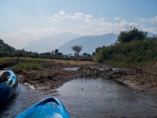 Chiang Mai Mountain Biking & Kayaks : Chiang Dao mountain views from the kayak