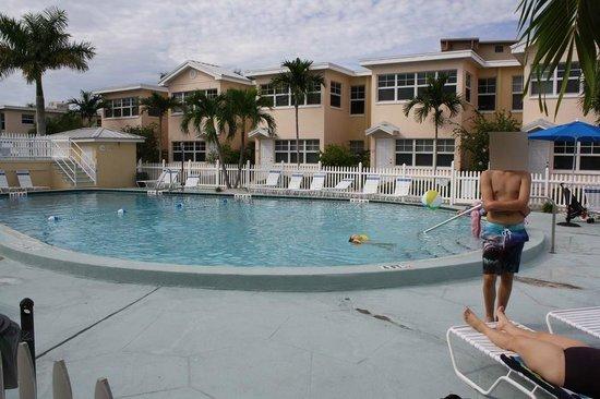 Barefoot Beach Resort: Poolarea