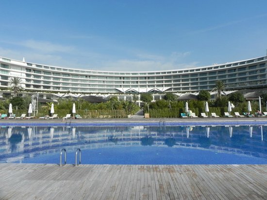 Maxx Royal Belek Golf Resort: Looking from the pool & beach area toward the hotel