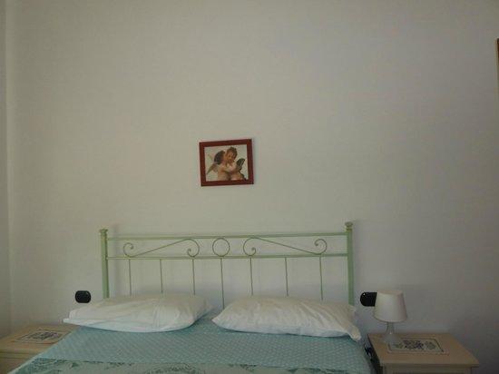 B&B Margherita Como: stanza mattrimoniale + 1 singolo -st. verde