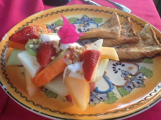 Sharky's Mesquite Grill : French Toast served with fresh fruit, yogurt, and granola.