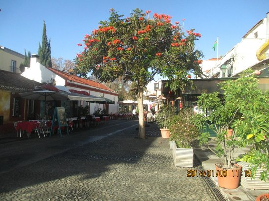 Porto Santa Maria Hotel: Old town funchal  ( outside hotel )