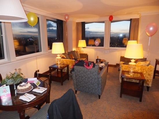 Royal Lancaster London : sitting room floor 17
