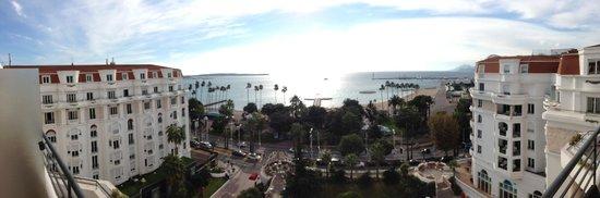 Hôtel Barrière Le Majestic Cannes: Vu mer / Cannes
