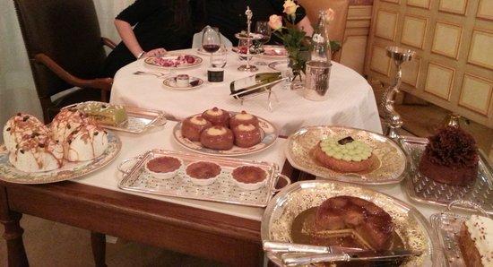 Paul Bocuse, Auberge du Pont de Collonges: Dessert à volonté et d'un délice rare