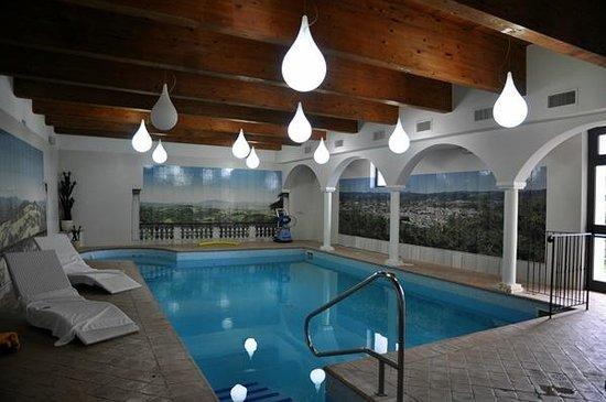 Borgo di Celle: piscina interna