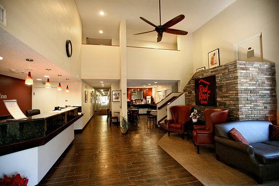 Red Roof Inn Palm Coast: Main Entrance