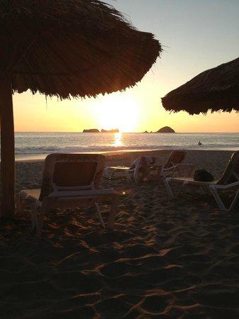 Holiday Inn Resort Ixtapa: Sunsets every night!