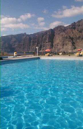 Increible picture of oasis los gigantes tenerife for Piscinas en los gigantes tenerife