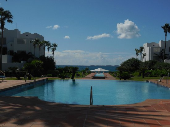 CuisinArt Golf Resort & Spa: View from Lobby to Pool and Beach