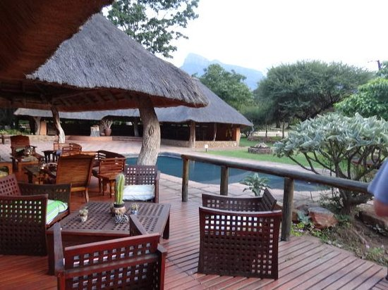 Blyde River Canyon Lodge: The gorgeous views from the deck was enticing.
