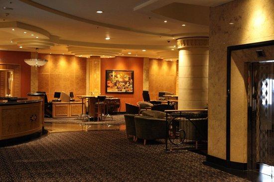 Hilton Sandton: R Level Business Centre Area