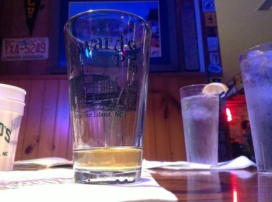 Howard's Pub: the best service and beer you can imagine on our little trip ddown the Outer Banks.