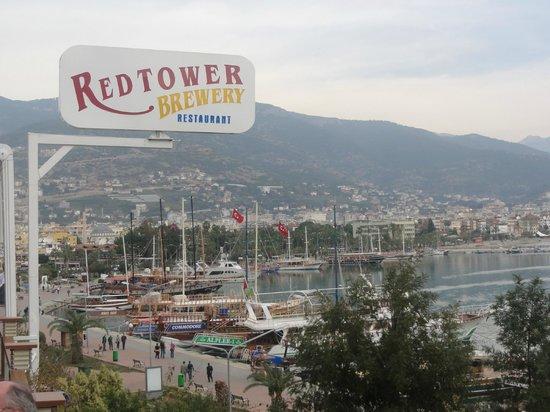 Red Tower Brewery Restaurant: Вывеска