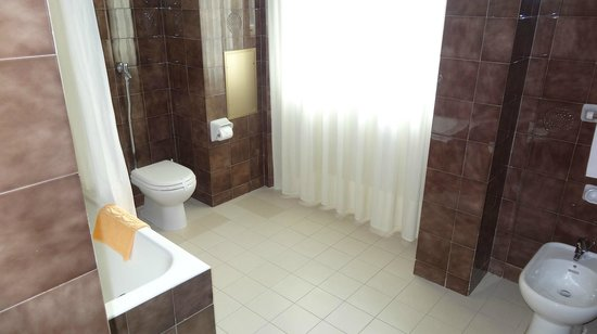 Excelsior Palace Hotel : Bathroom