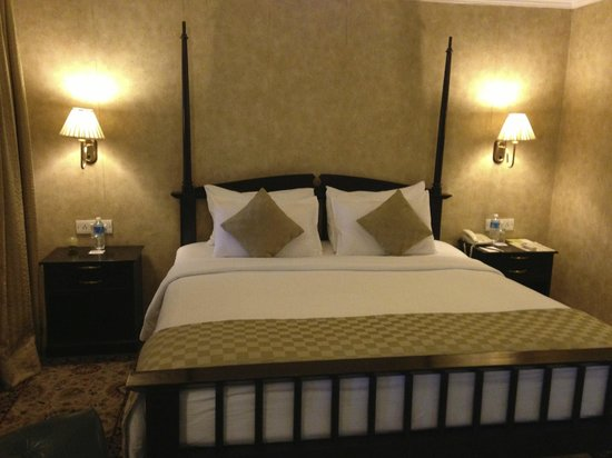 """Royal Orchid Metropole Hotel : my second fl """"heritage"""" room"""