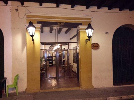 Centro Hotel : entrada