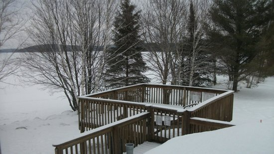 Northridge Inn & Resort: Lakeside Hot tub in Winter