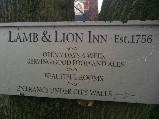 Lamb & Lion Inn: Lion & Lamb Inn