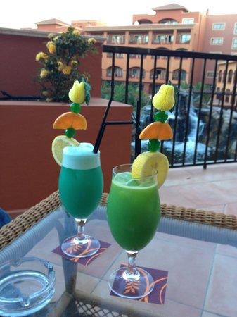 Sheraton Fuerteventura Beach, Golf & Spa Resort: cocktails sur la terrasse