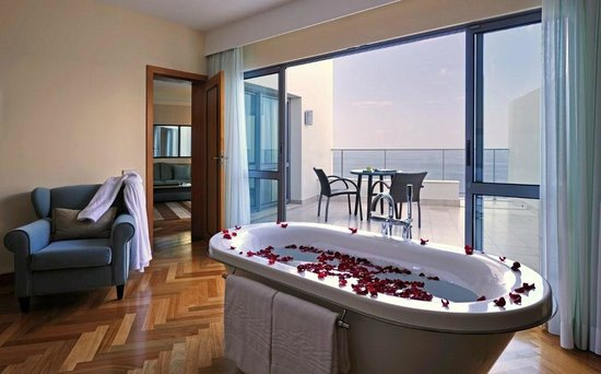 Pestana Promenade Ocean Resort Hotel: HoneymoonSuite