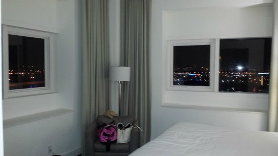 YVE Hotel Miami: Our room - exactly how we had seen it on the website. BIG PLUS!