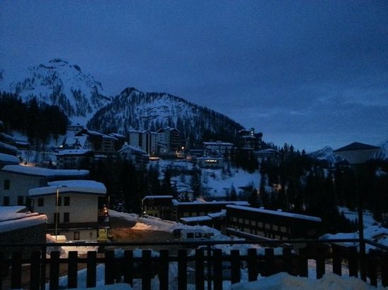 Hotel Des Alpes : early morning view from our room
