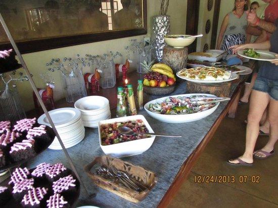 Elephant Plains Game Lodge: lunch