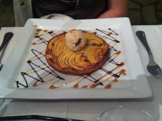 Auberge des Charmettes: tarte aux pommes