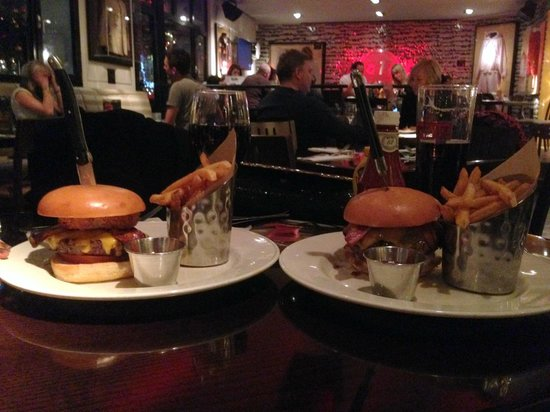 Hard Rock Cafe Berlin: hamburger