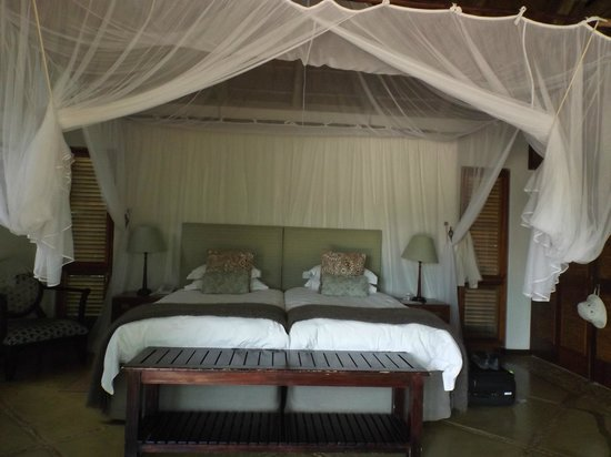 Thornybush Game Lodge: Bedroom