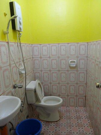 Escarez Pension House: Ванная комната