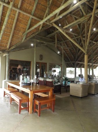 Thornybush Game Lodge: Common Area