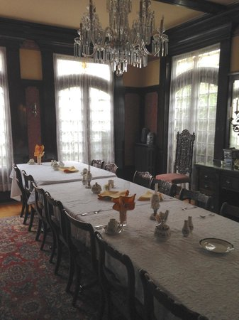 Portland's White House Inn: Dining Room
