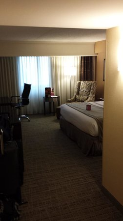 Crowne Plaza St Louis Airport: Updated and modern furnishings