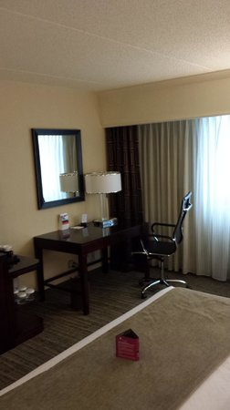 Crowne Plaza St Louis Airport : Updated room