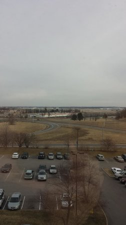 Crowne Plaza St Louis Airport : Airport view from room