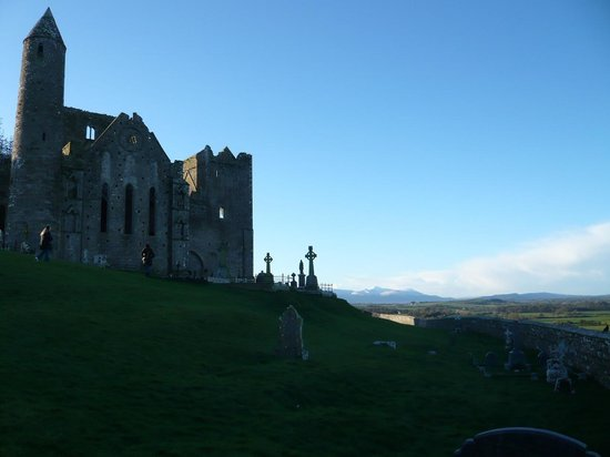Extreme Ireland - Day Tours: View of North side of the castle